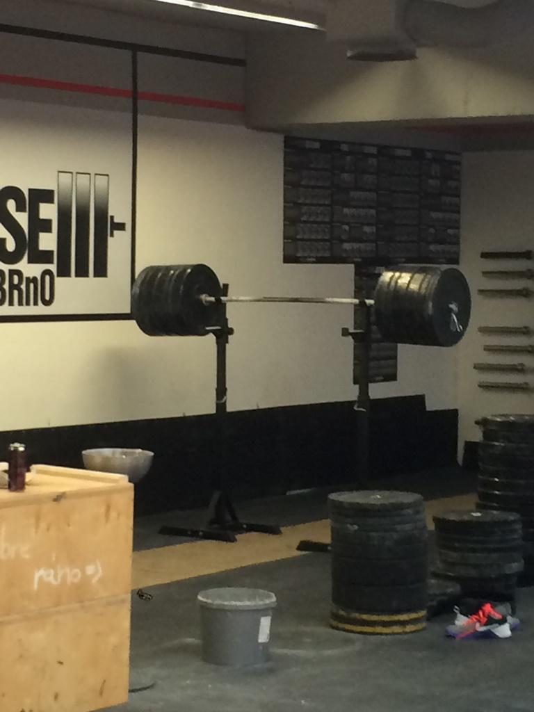 CrossFit DESTINY – Brno – Filip Trojovsky – TRAINING back squat 200 kg